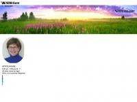 nickirocksinsurance.com