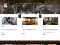 hotshopsartcenter.com